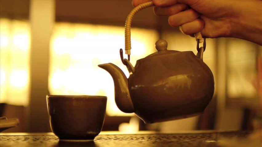 Warmes Wasser trinken – 10 Vorteile des Hausmittels
