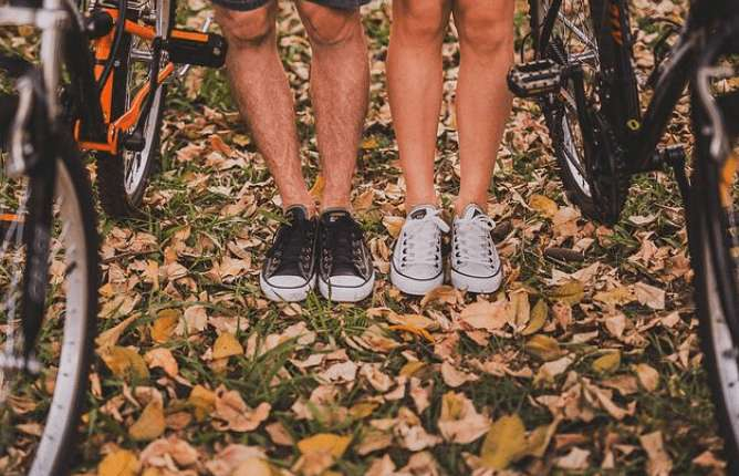 Juckreiz an den Beinen – Ursachen und Behandlungen!