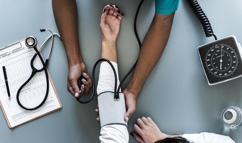 Rauchen & Blutdruck: Alle Infos und 10 wertvolle Tipps