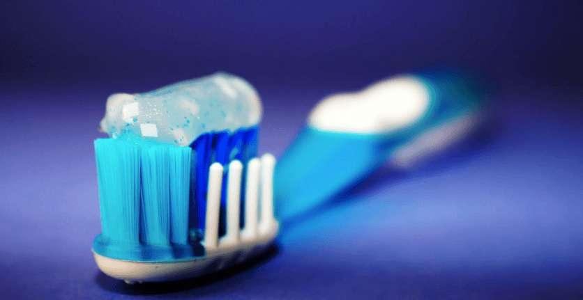 Fluorid Zahnpasta – Mögliche Vorteile und Nebenwirkungen!