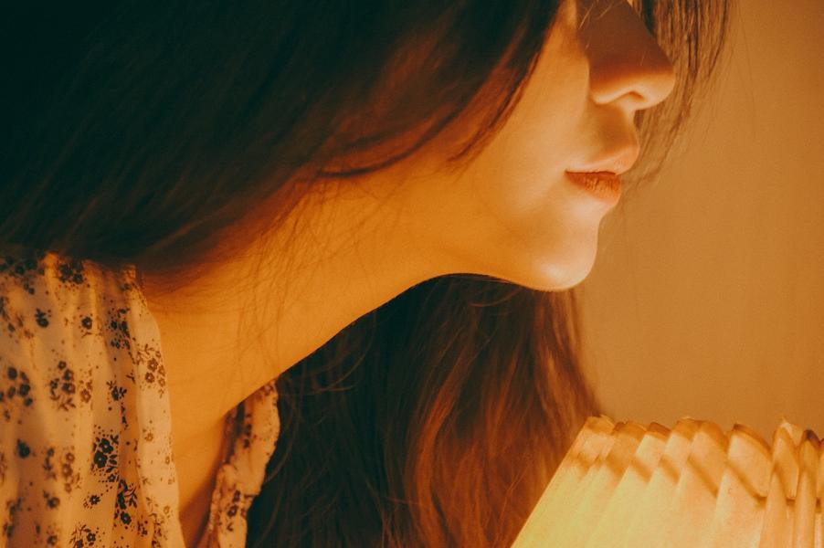 Einseitig geschwollene Lymphknoten Hals – Ursachen + Behandlung