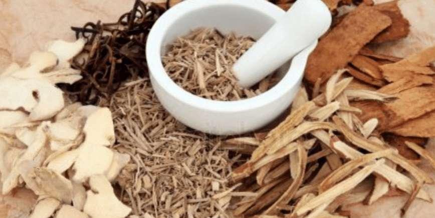 Ist Lakritz gesund? 10 Vorteile des Süßholz'