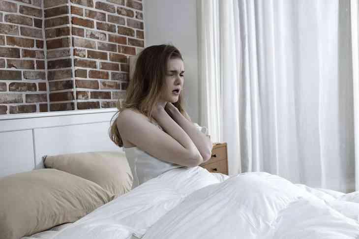 Starkes Schwitzen in der Nacht – 10 mögliche Ursachen