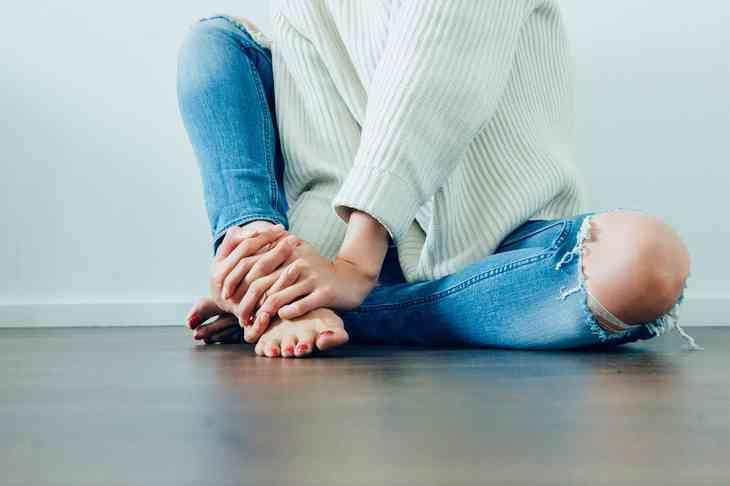 Stechender Schmerz im Knie – Was ist da los?
