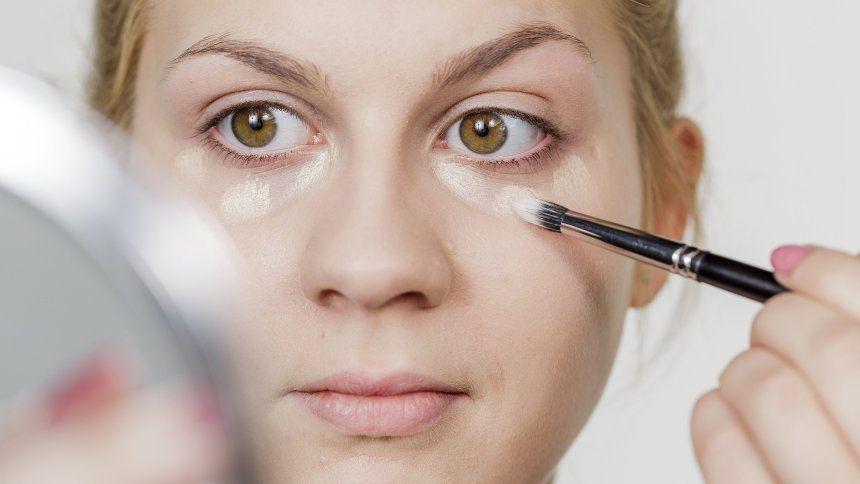 Hausmittel gegen Augenringe – 5 Tipps gegen die dunklen Schatten