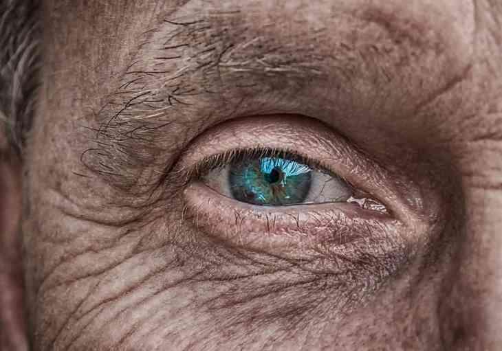Vitamin B12 Mangel Symptome – Deine Augen leiden!