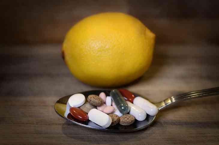 Was hilft gegen Halsschmerzen? – Ursachen, Hausmittel und Symptome