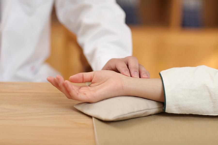 Welcher Puls ist gefährlich? – Symptome und Konseqünzen